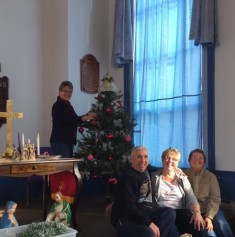 decorating-christmas-2016